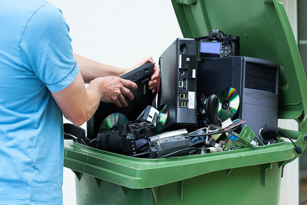 Environmental Impact Of E-Waste Recycling And The Challenges Involved Image - AGR