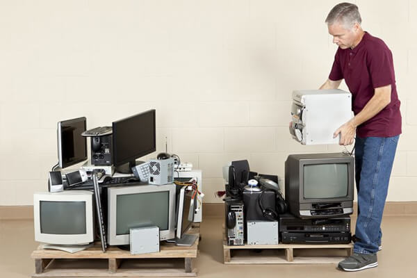 Trust Professionals to Dispose of Computer Image - AGR